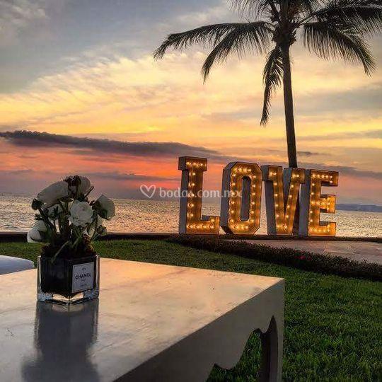 Letras de Love