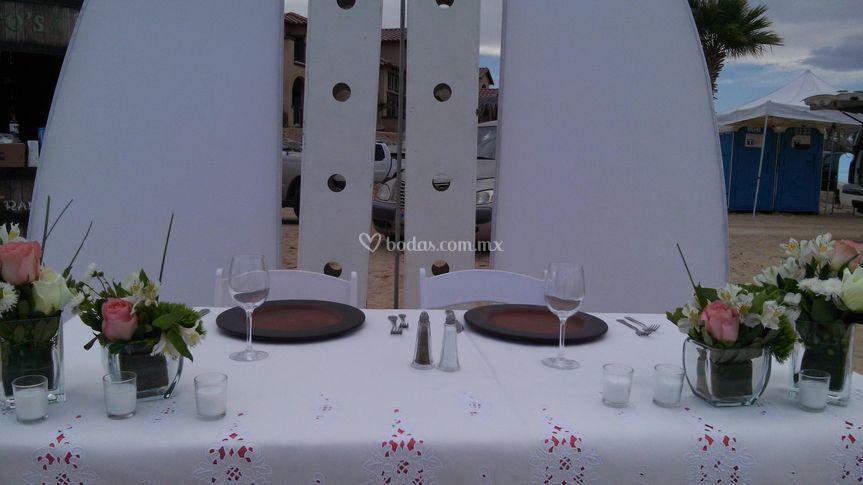 Mesa principal y veleros