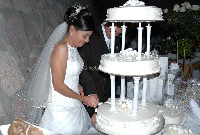 Partiendo el pastel