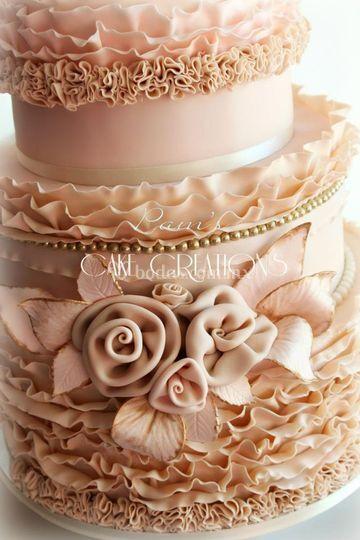Wedding cake vintage romantic