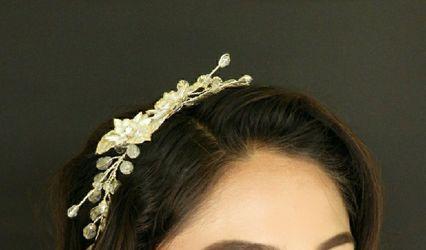 Berelendis Flores Headpiece 2