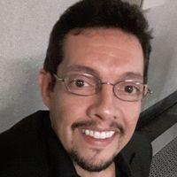 Héctor  López
