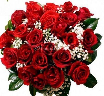 Ramo en rosas rojas