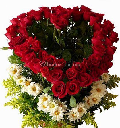 Rosas en corazón