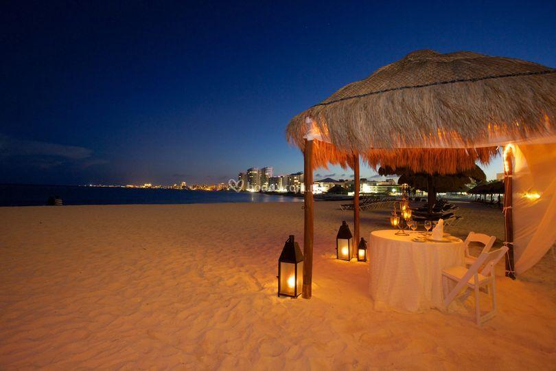 Cena romance en la playa