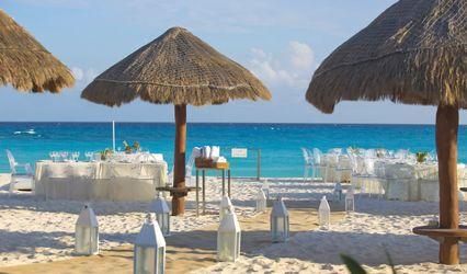 Krystal Grand Punta Cancún 1