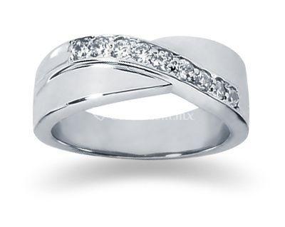 Oro blanco con diamantes