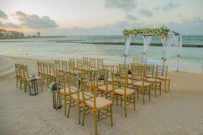 Montaje en la playa ceremonia