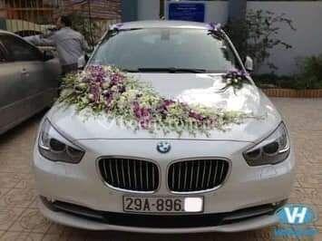 Arreglo de carro para novios