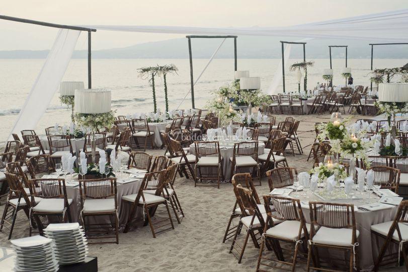 Banquete boda en playa de Bel Air Resort & Spa Vallarta