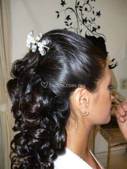 Un peinado muy femenino