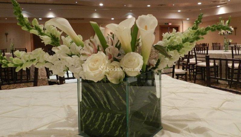 Centro de mesa en flor blanca
