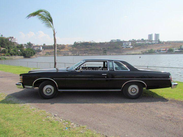 Autos clásicos para bodas - LTD 1975