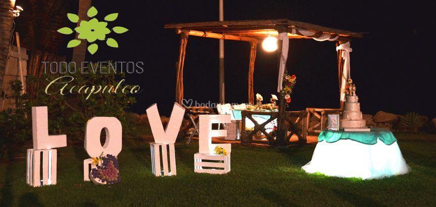 Mesa pastel y love