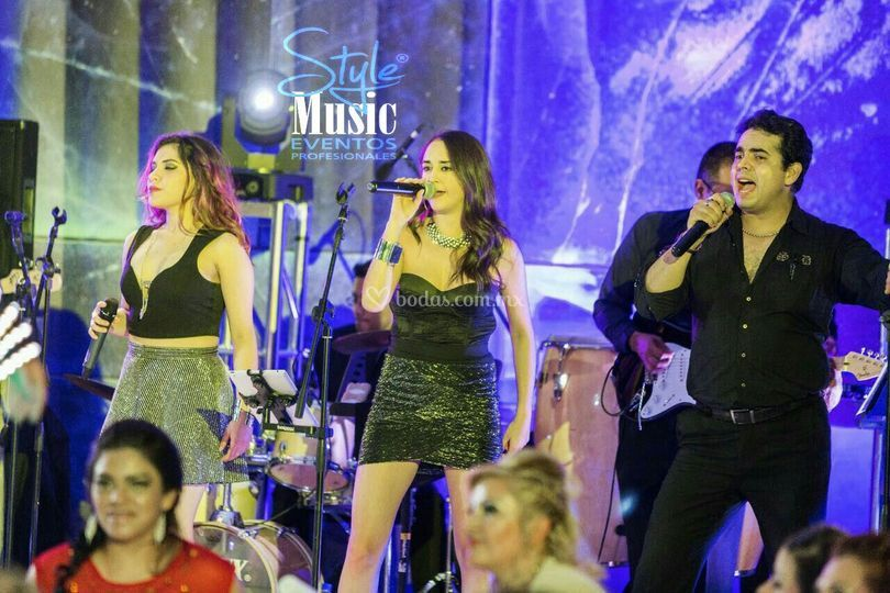 Cantantes style music