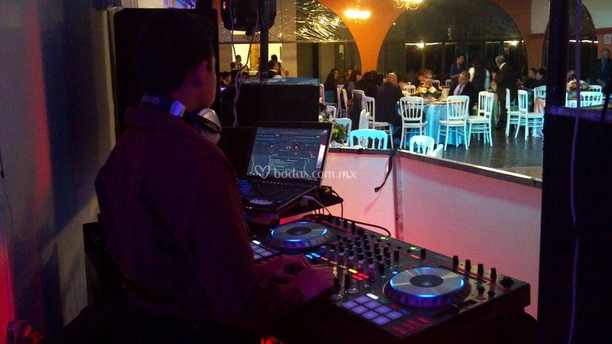 Sonido y DJ para bodas