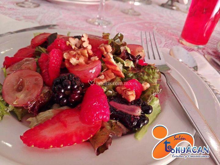 Ensalada de frutos rojos.