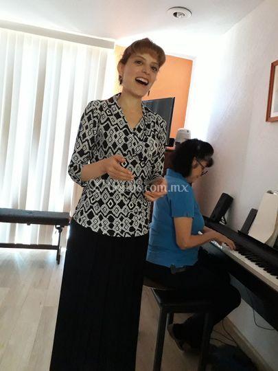 Pianista Zaira y Soprano