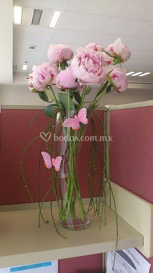 Arreglo floral de peonias