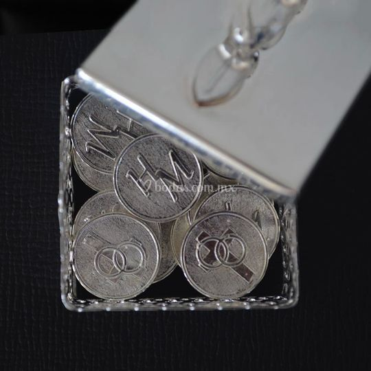Arras en plata, personalizadas