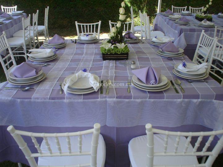 Mantelería violeta