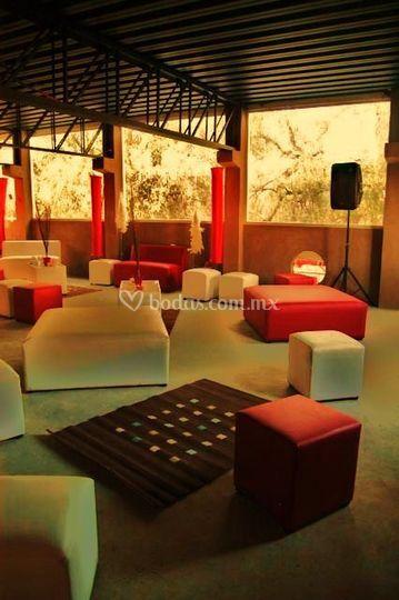 Salón anexo ideal para fiestas lounge