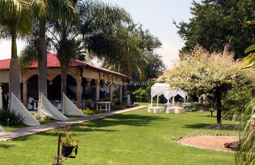 Jardín para 400 personas