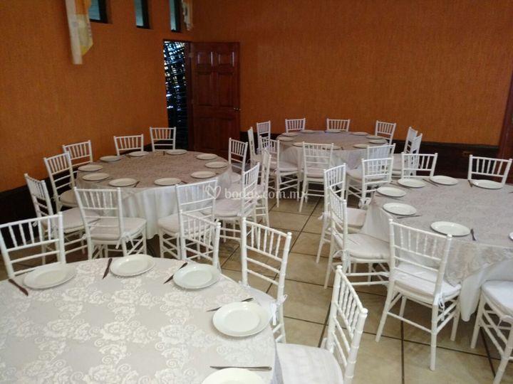 Eventos mix - Mesa redonda con sillas ...