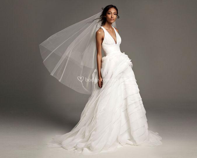 White by vera wang 8002039