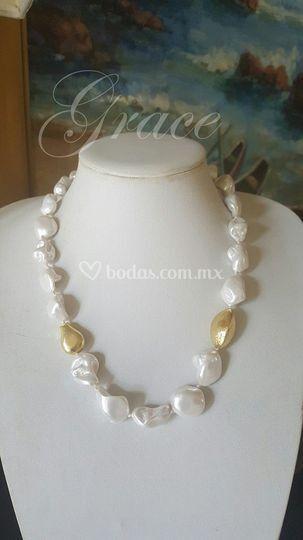 c92a0797a9d1 Collar perla barroca de Grace C De Mode