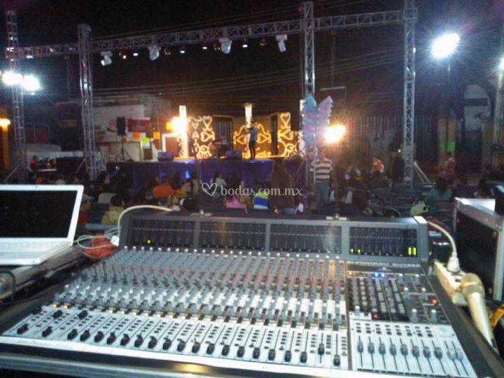 La Raza Show