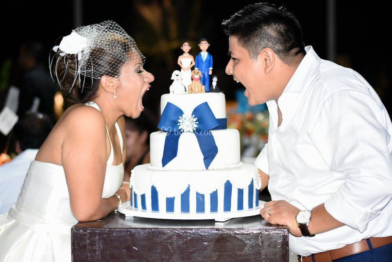 Divertido pastel de boda