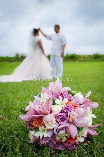 Sesión de boda en jardin