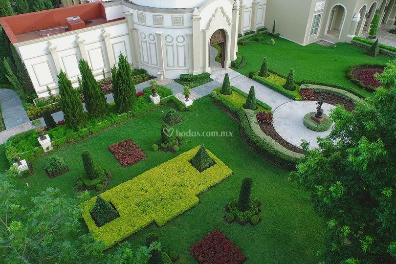 Lobby jardín