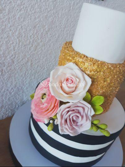 Pasteles con flores de azúcar