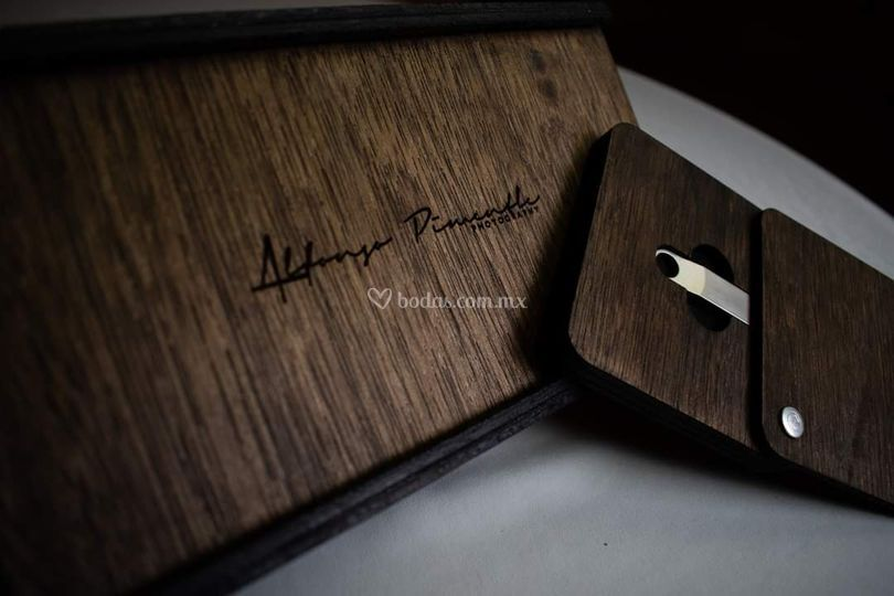 Caja madera usb