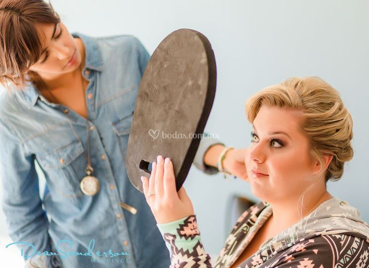 La Bonita Maquillaje y Peinado