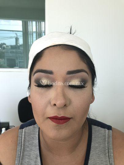 Maquillaje y peinado para novias tlalnepantla