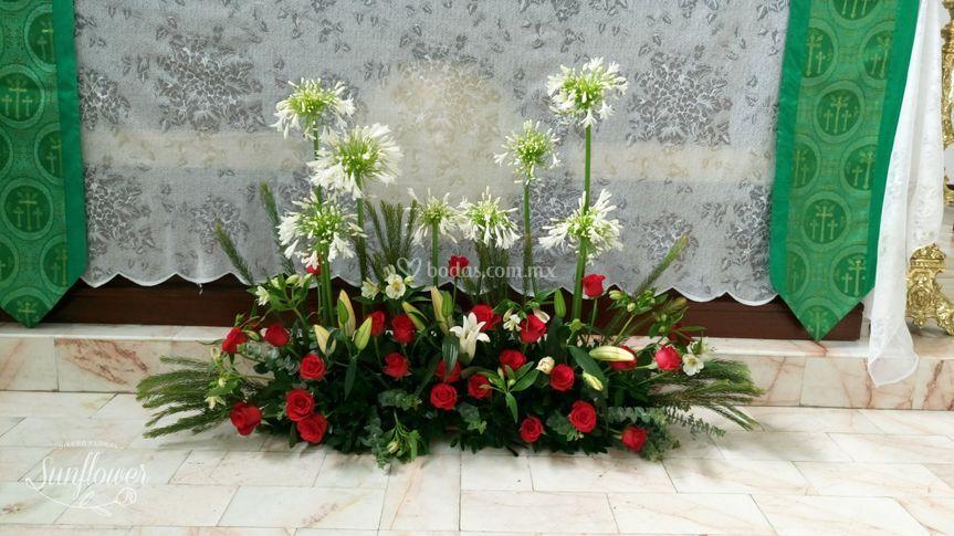 Pie de altar con rosas
