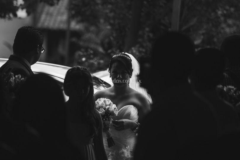 Novia entrando a la iglesia