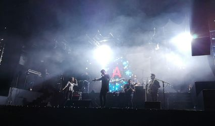 Aki Band 1