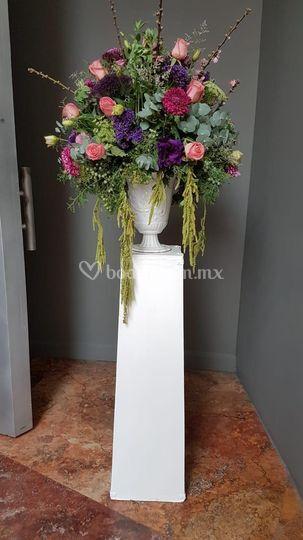 Arreglo Floral En Pedestal De Florería González Foto 82