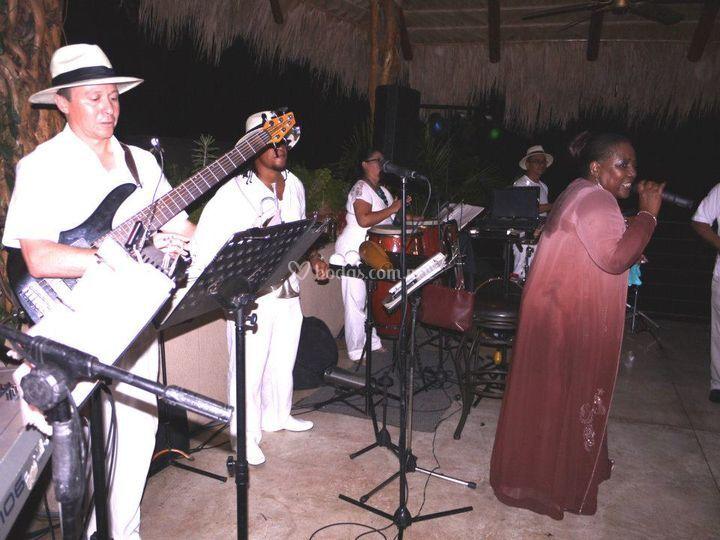 Rosalia de Cuba grupo versátil