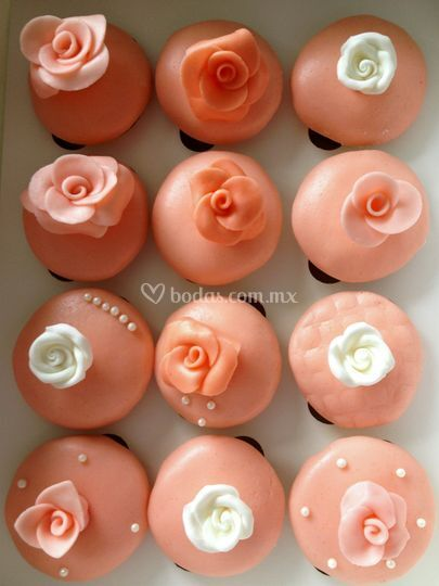 Cupcakes de fondant con rosas