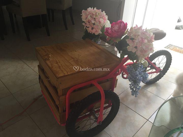 Triciclos con bolis