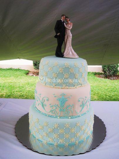 Pastel boda azul/blanco