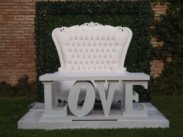 Mesa love con sillón