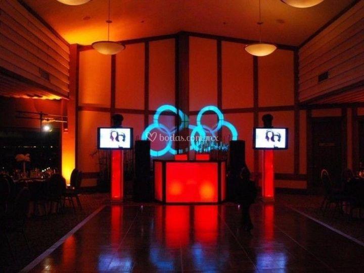 Iluminación, audio y pantallas