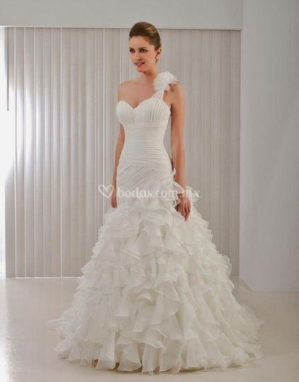 Elegante vestido con boleros