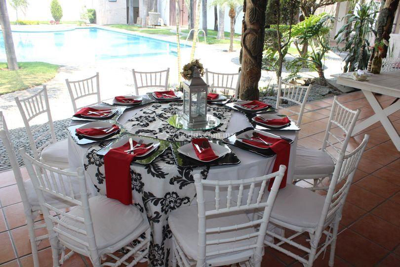 Quinta las campanas for Caminos para mesas redondas